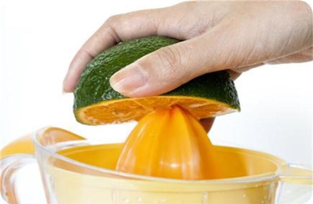Chỉ cần thêm chút gia vị này vào nước cam, cơ thể đang ốm, mệt liền khỏe lại - Ảnh 3.