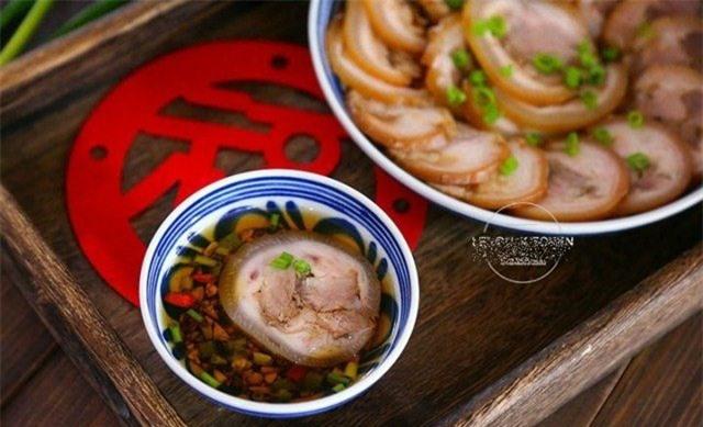 Thịt chân giò làm theo cách này có ngay món ăn lạnh tuyệt hảo mà không hề ngấy ngán - Ảnh 2