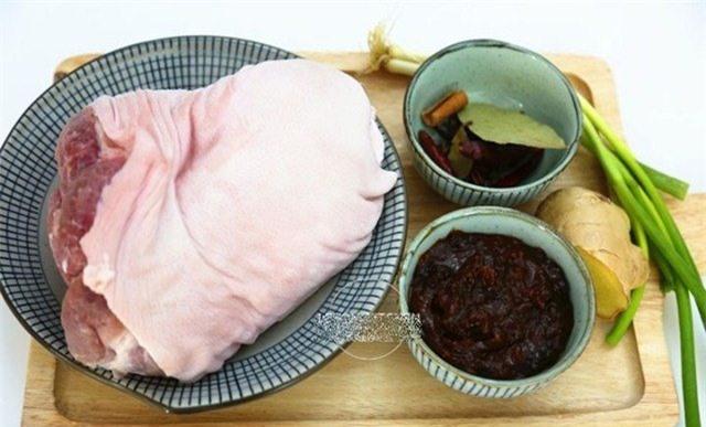 Thịt chân giò làm theo cách này có ngay món ăn lạnh tuyệt hảo mà không hề ngấy ngán - Ảnh 3