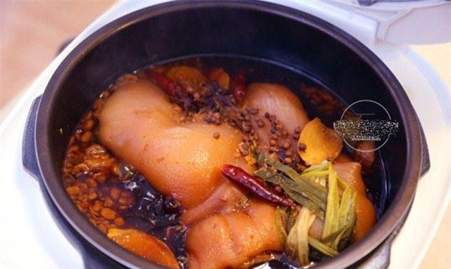 Thịt chân giò làm theo cách này có ngay món ăn lạnh tuyệt hảo mà không hề ngấy ngán - Ảnh 7