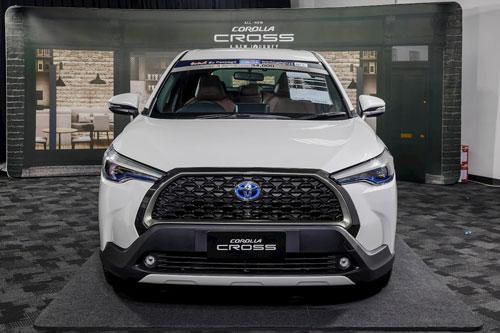 Giá lăn bánh Toyota Corolla Cross vừa ra mắt tại Việt Nam