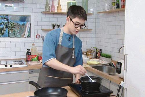 Top 5 nam idol Kpop gen 3 xứng danh 'chàng rể quốc dân': Đã điển trai, tài năng lại nấu ăn ngon