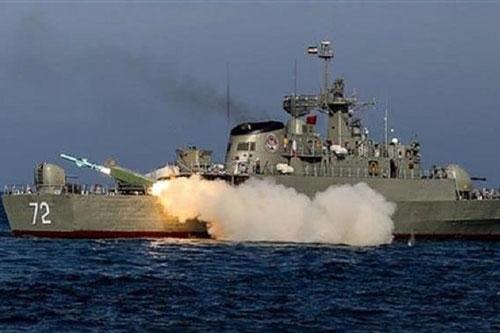 Tên lửa chống hạm Iran diệt mục tiêu cách 700 km