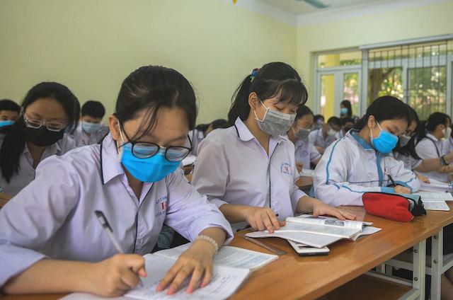 Học sinh TP.HCM phải đeo khẩu trang khi thi tốt nghiệm THPT
