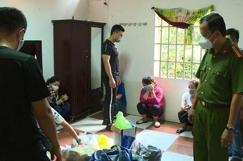 Đắk Lắk: Công an đột kích nhà nghỉ, triệt phá sòng bạc lớn giữa mùa dịch