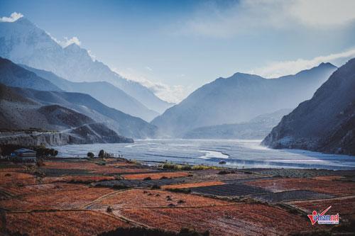 """Cuộc sống bí ẩn ở """"vương quốc bị lãng quên"""" trên dãy Himalaya"""