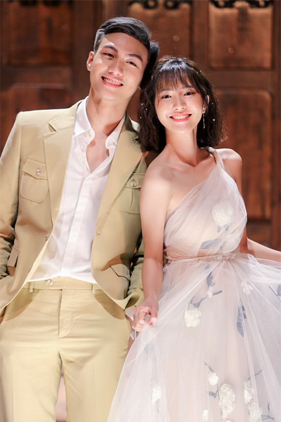 Người mẫu Mạc Trung Kiên đóng cặp Jang Mi trong MV Yêu là phải liều.