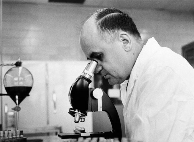 Người hùng ẩn dật phát minh hơn 40 loại vaccine cứu thế giới - 1