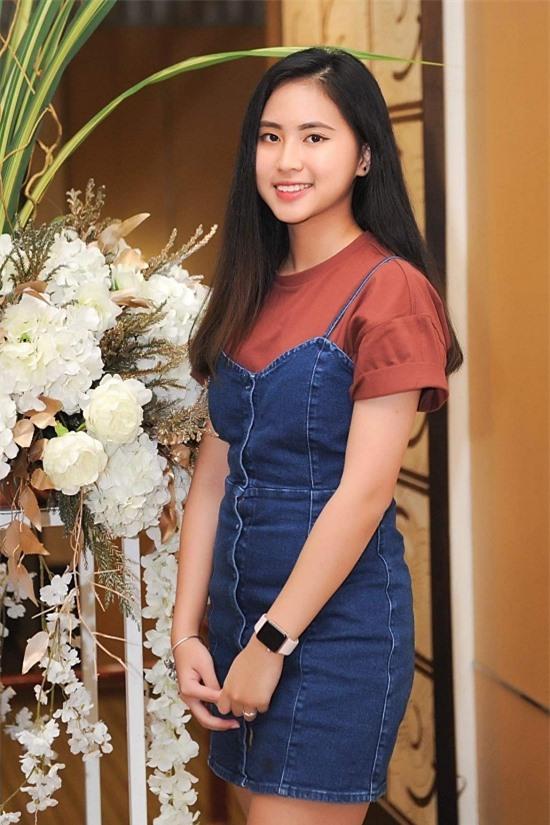 Ở nhà, Bảo Nghi là chị cả và có hai người em. Từ nhỏ, cô được bố mẹ dạy biết yêu thương, giúp đỡ những người xung quanh mình.