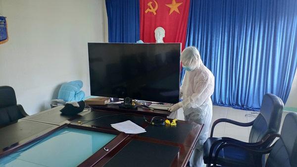 Nhân viện Viettel lắp đặt cầu truyền hình tại Bệnh viện Phổi Đà Nẵng.
