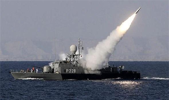 Iran khoe me ve ten lua bo chong tau dich tu khoang cach 700km-Hinh-3