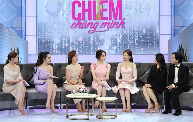 Diễn viên Lan Ngọc, Thuý Ngân, nghệ sĩ Lê Khanh, hoa hậu Hương Giang và ca sĩ Hari Won ngưỡng mộ hôn nhân của vợ chồng Kim Tử Long.