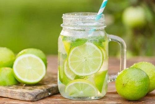 Loại nước uống vào buổi tối giúp chị em 'trẻ mãi không già', U40 vẫn xuân sắc như tuổi 20