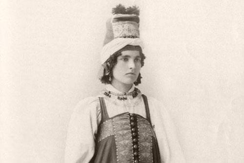 Khám phá trang phục truyền thống của Nga cuối thế kỷ 19