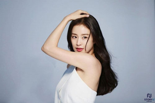Từng bị chê xuống sắc sau 2 lần sinh nở, Kim Tae Hee lấy lại phong độ đỉnh cao không hổ danh 'ngọc nữ' xứ Hàn