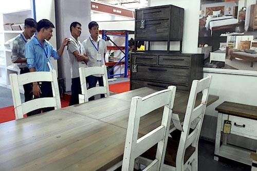 Đồ gỗ Việt cải thiện xuất khẩu bằng mua bán trực tuyến