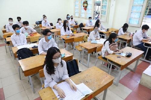 Lâm Đồng huy động y, bác sĩ đông kỷ lục tham gia kỳ thi tốt nghiệp THPT