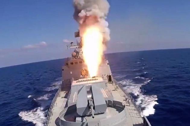 Chiến hạm Karakurt của Nga được trang bị tên lửa hành trình diệt hạm siêu thanh Kalibr cực kỳ lợi hại. Ảnh: TASS.