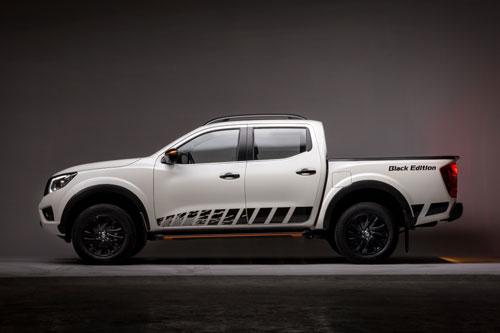 Nissan Navara Black Edition A-IVI.