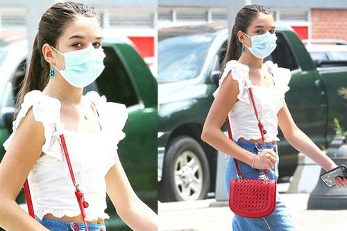 Suri Cruise như fashionista trên phố