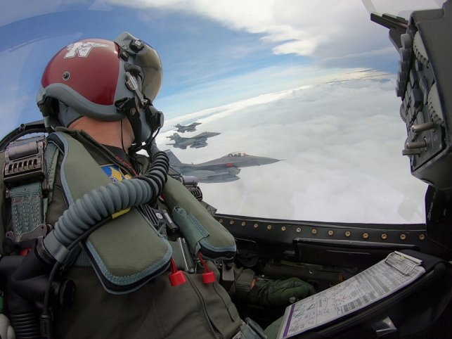 Biên đội 4 tiêm kích F-16 mang radar AN/APG-83 AESA. Ảnh: Không lực Hoa Kỳ.