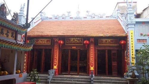 Đền Cửa Bắc nằm trong tứ trấn xứ Lạng có nhiệm vụ trấn giữ, bảo vệ linh khí Thành cổ Lạng Sơn.