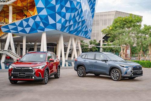 Cận cảnh Toyota Corolla Cross giá từ 720 triệu đồng tại Việt Nam
