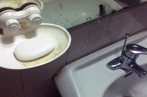 Không nên để xà bông cục trong nhà tắm. Ảnh minh họa.