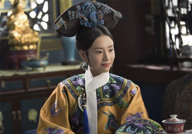 Chuyện về 2 bà cháu cùng gả cho Hoàng đế Càn Long: Người trở thành Hoàng hậu trong khi cháu gái lại cô độc cả đời ở chốn thâm cung - Ảnh 1.