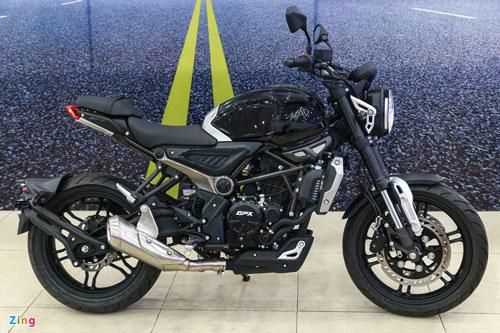 Cận cảnh môtô 300 phân khối, giá 75 triệu tại Việt Nam, cạnh tranh với Honda CB300R