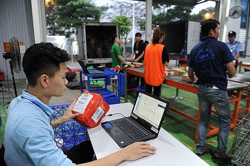 Doanh nghiệp bán lẻ trực tuyến trong nước: Không hợp tác, khó thành công