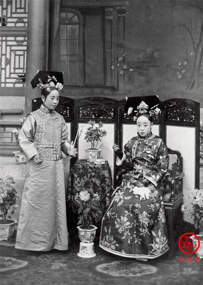 Loạt ảnh chân thật nhất về đại gia đình Hoàng đế cuối cùng của triều Thanh: Mẹ ruột nuốt thuốc phiện tự sát, anh chị em đông đúc - Ảnh 3.