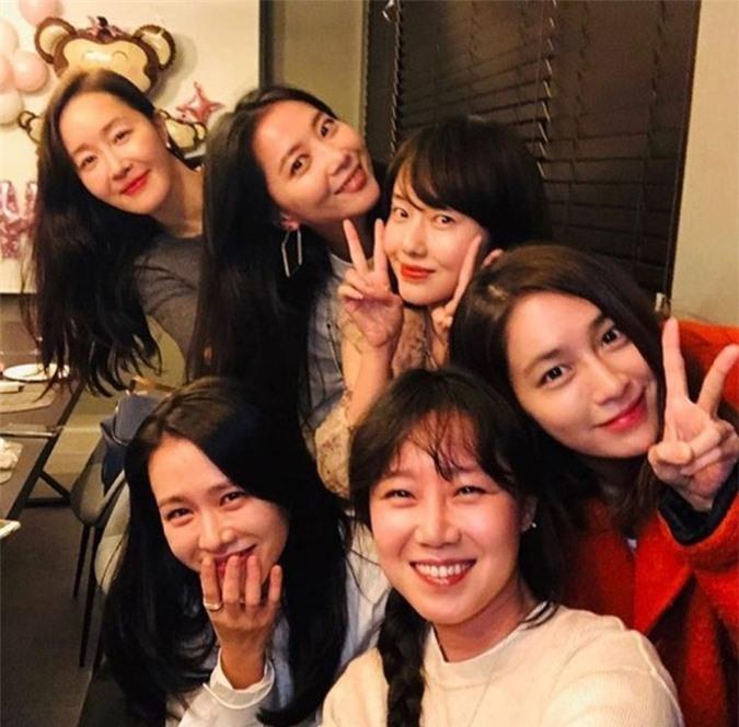 Những hội bạn thân sở hữu toàn gương mặt đình đám nhất nhì Kbiz: Son Ye Jin và Song Hye Kyo đều có được hội chị em toàn mỹ nhân - Ảnh 2.