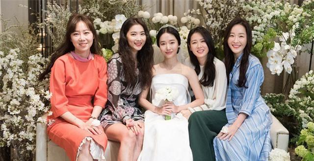 Những hội bạn thân sở hữu toàn gương mặt đình đám nhất nhì Kbiz: Son Ye Jin và Song Hye Kyo đều có được hội chị em toàn mỹ nhân - Ảnh 3.