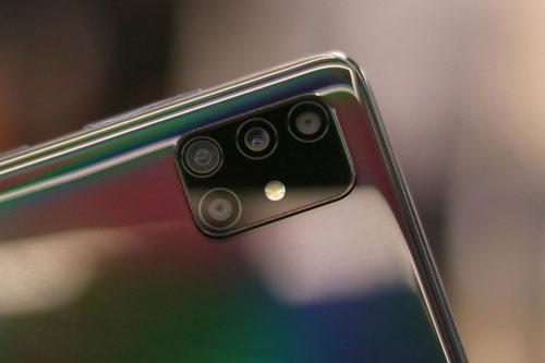 Samsung Galaxy A51 giảm giá sốc tại Việt Nam
