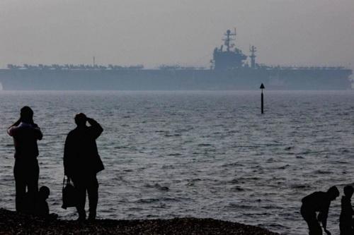 Tàu sân bay Mỹ cấp tốc rời Địa Trung Hải vì tàu ngầm Nga?