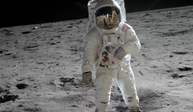 Nhà khoa học Nga cho rằng khó có thể sống trên sao Hỏa và Mặt trăng. (Ảnh: Sputnik)