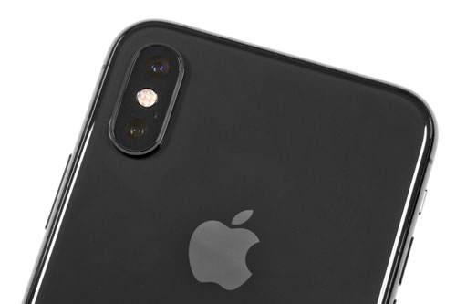 =2. iPhone Xs (tốc độ chụp: 0,9 giây/tấm hình).