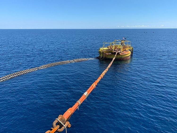 Phao SPM – nơi nhập các lô dầu nhập khẩu cho NMLD Dung Quất.