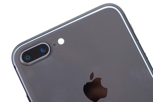 4. iPhone 8 Plus (tốc độ chụp: 0,95 giây/tấm hình).