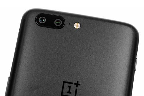 =7. OnePlus 5 (tốc độ chụp: 1.1 giây/tấm hình).