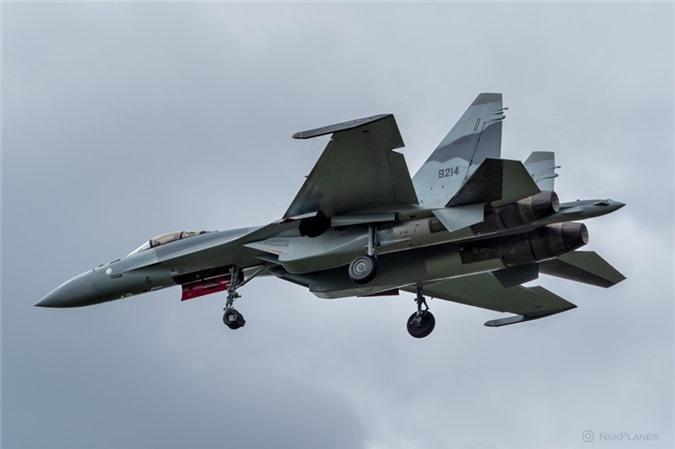Ai Cap nhan lo tiem kich Su-35 dau tien: Gia dat hon ca F-35 My-Hinh-2