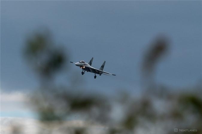 Ai Cap nhan lo tiem kich Su-35 dau tien: Gia dat hon ca F-35 My-Hinh-5