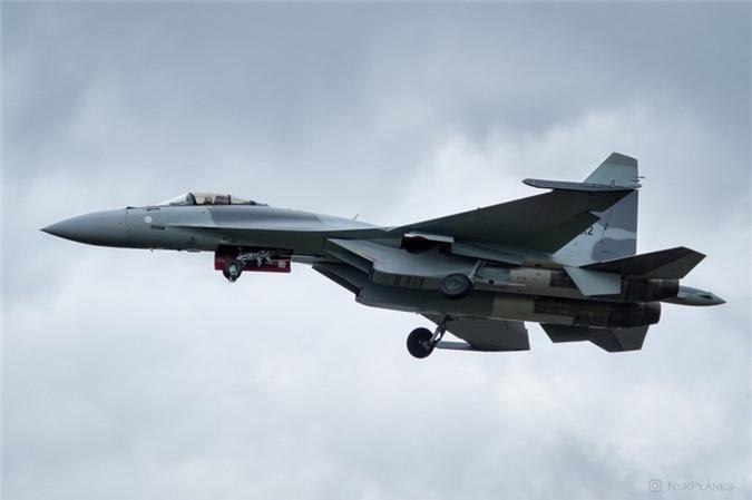 Ai Cap nhan lo tiem kich Su-35 dau tien: Gia dat hon ca F-35 My-Hinh-8