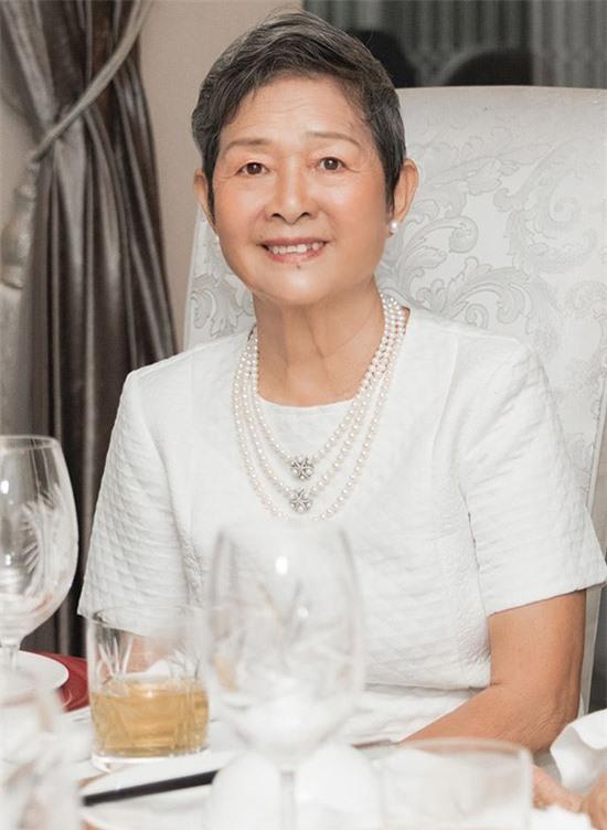 Mẹ Giáng My năm nay 76 tuổi. Thời trẻ bà từng là Hoa khôi Nhạc viện Hà Nội.