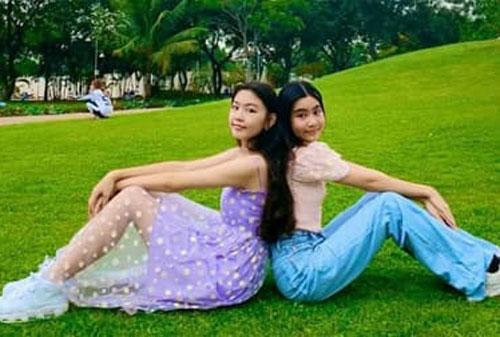 Bất chấp việc chụp cam thường, 2 công chúa nhà MC Quyền Linh vẫn đẹp ngất ngây