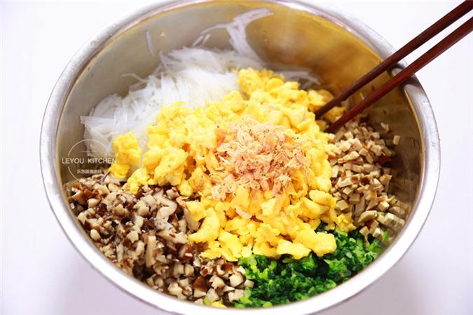 Trời lạnh đổi vị bữa sáng với bánh bao, giá thành rẻ lại lạ miệng, con ăn thun thút  - Ảnh 9