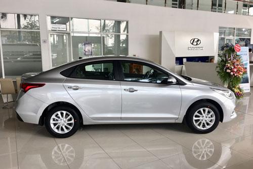 2. Hyundai Accent (doanh số: 2.219 chiếc).