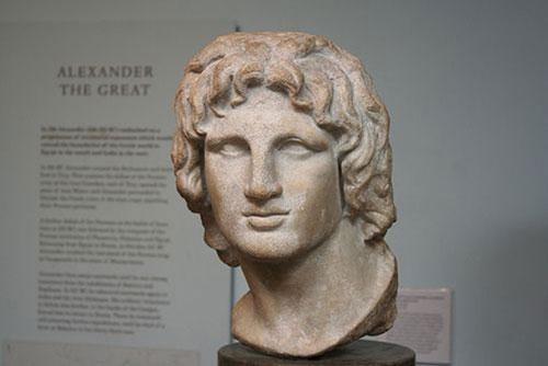 Một bức tượng bán thân mô tả gương mặt Alexander Đại đế