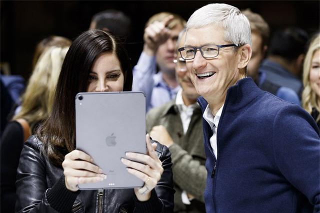 CEO Apple trở thành tỷ phú - Ảnh 1.